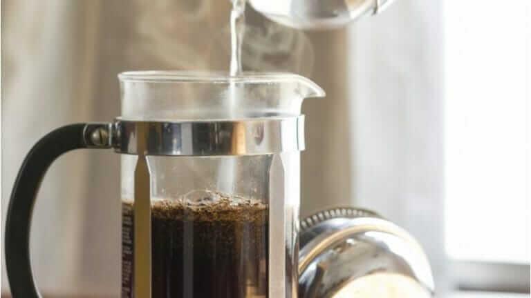 フレンチプレスでコーヒー