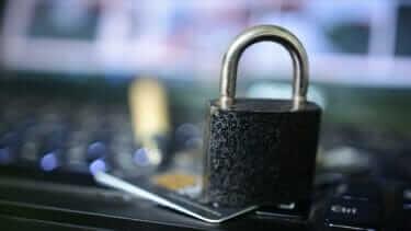 クレジットカードはどこまで信用情報に左右されるの?