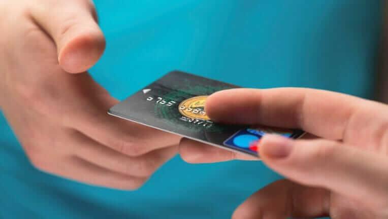クレジットカード 納税