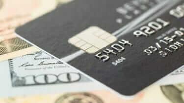 クレジットカードのランク|色の意味とステータス|年収条件は必須ではない