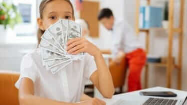 クレジットカードの利用限度額いくら?