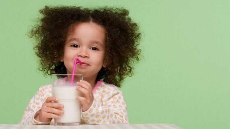 ダイエット中 夜 牛乳