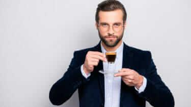 コーヒーは苦いしまずい!なぜ大人は美味しいと思えるのか?