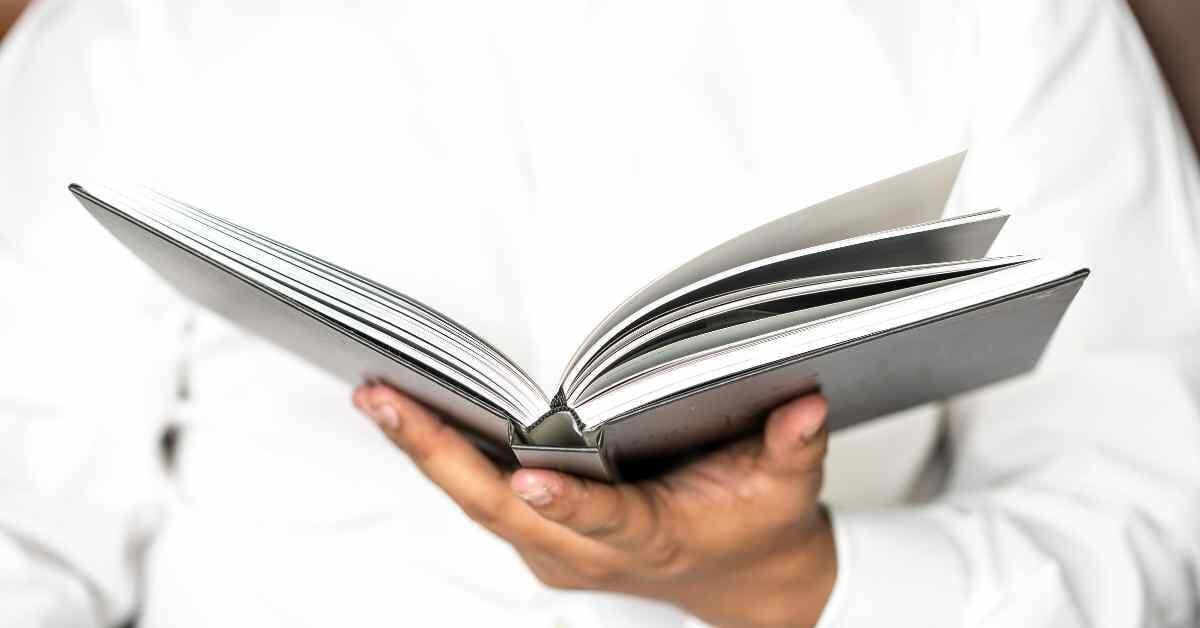 読書の姿勢 (1)